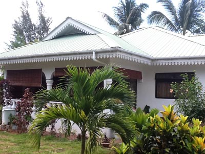 Coco Bay villa hotel : 8 bedrooms to rent
